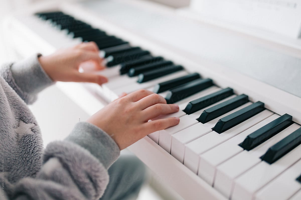 illustrative of Playground Sessions Vs Piano Marvel