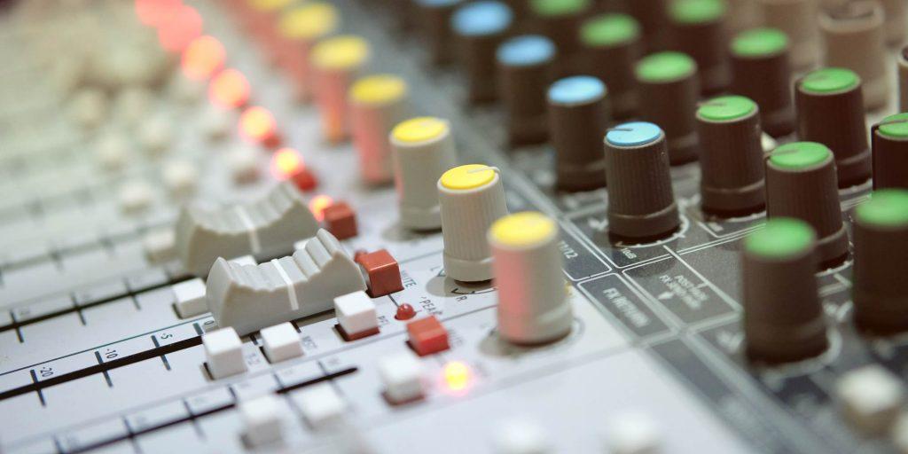 a part of shutterstock - illusstrative image of Powered Mixer Vs. Unpowered Mixer