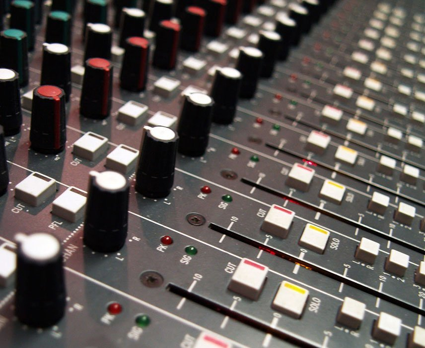 powered mixer vs unpowered mixer which one is for you